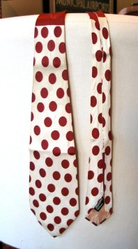 Vintage 1940s Necktie - Rayon with Moroon Polkadots