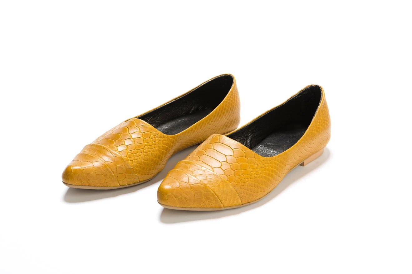 Rocco Mustard, flat, narrow, pointed front shoe. Beautiful classic design. - ImeldaShoes