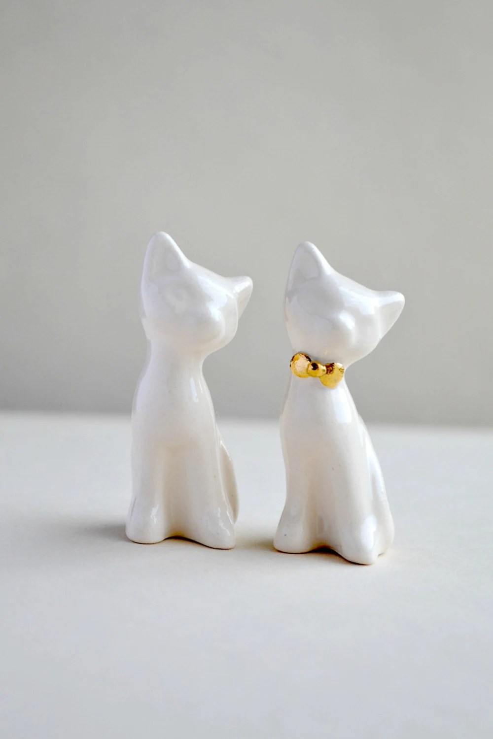 Cat cake topper, wedding cake topper, gold ivory - white wedding, ceramic cat cake topper wedding, wedding keepsake