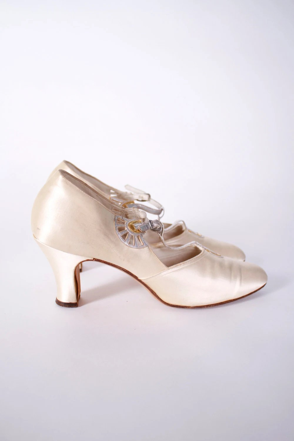 Vintage 1920s Shoes Ivory Satin Art Deco Dancing Slippers
