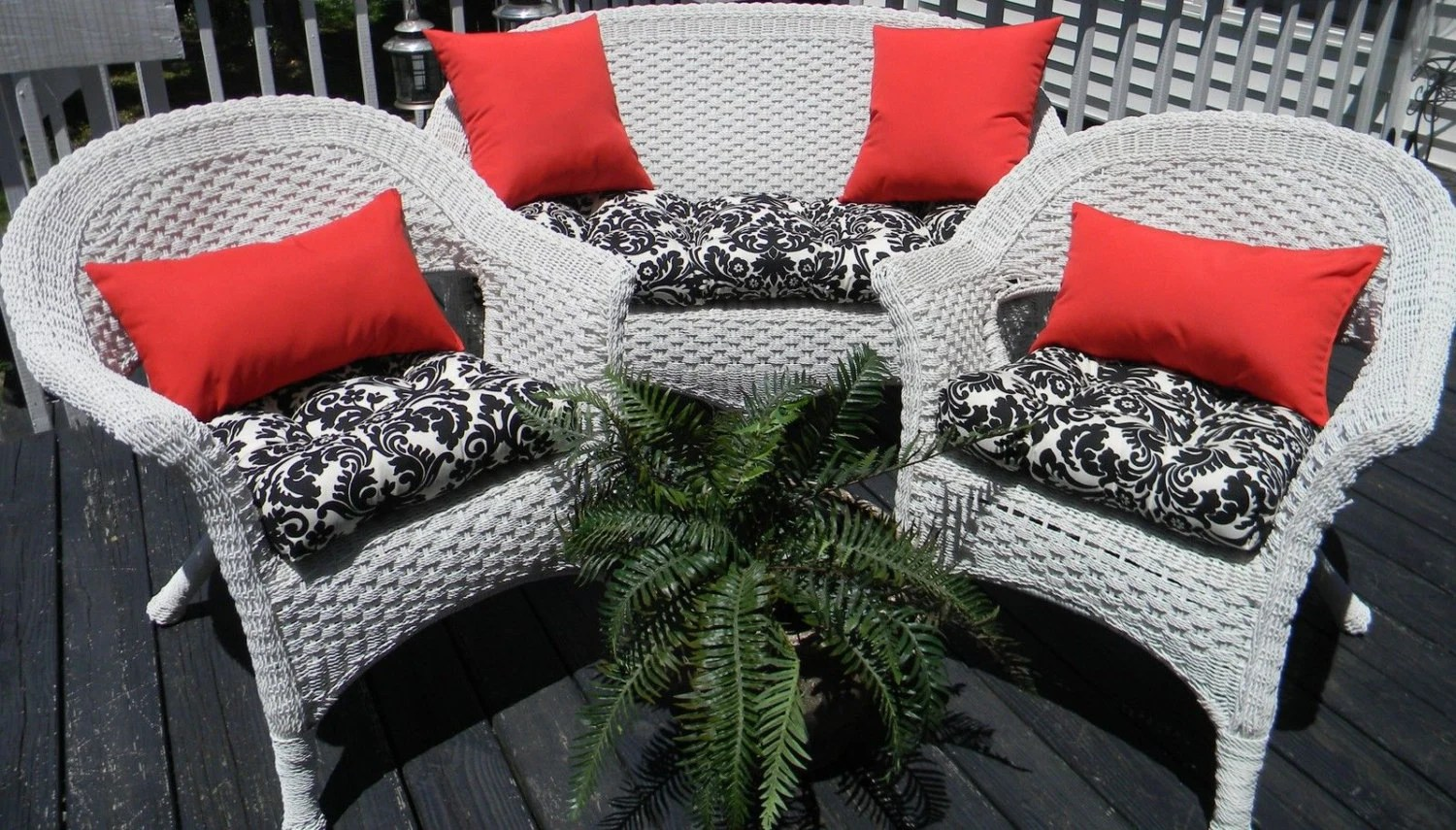Outdoor Wicker Cushion And Pillow 7 Pc. Set Black & Cream