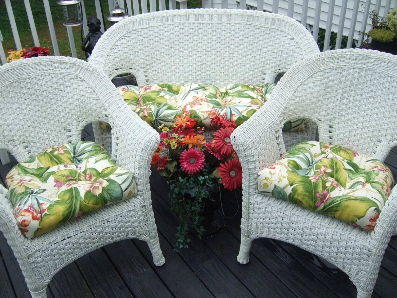 Indoor / Outdoor Wicker Cushion 3 Pc. Set Tommy Bahama