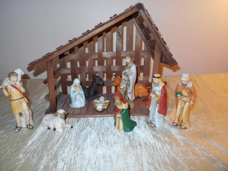 Cyber Monday Sale Vintage 80s Deluxe Nativity Scene