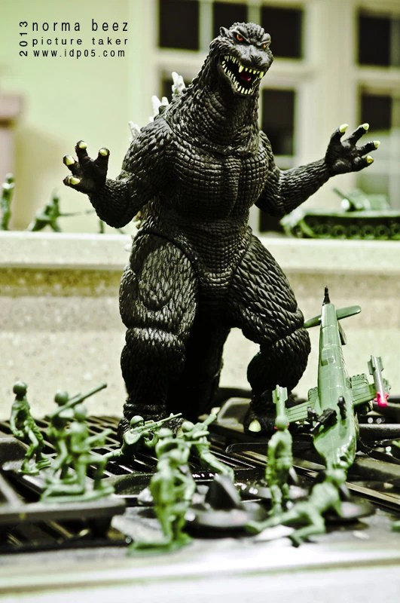 Godzilla Attacks 4 - Army Men Series