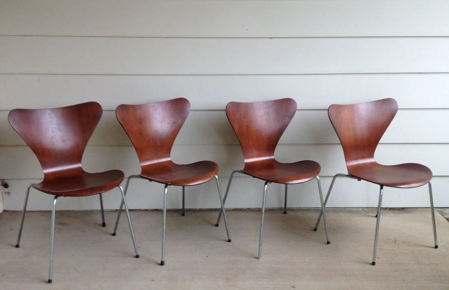 Set Of 4 Series 7 Chairs By Arne Jacobsen For Fritz Hansen