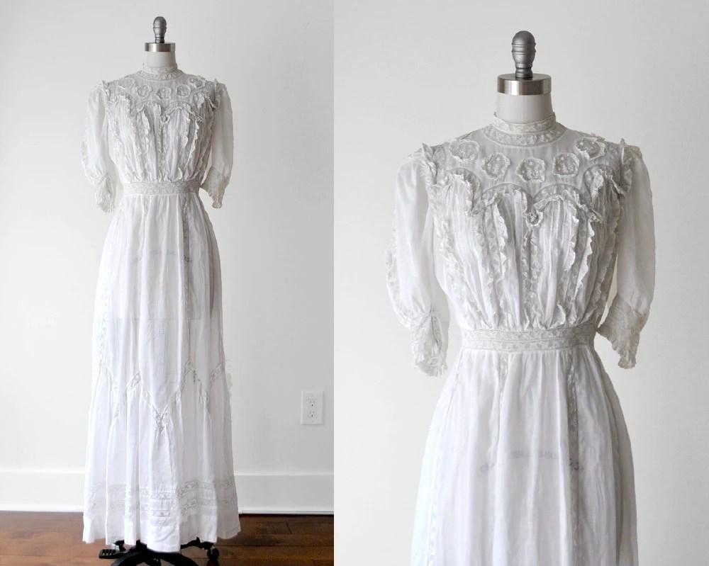 1910's White Dress. Wedding. 1910 Tea Gown. Antique. White