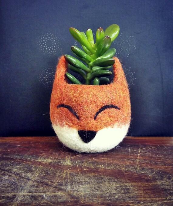 https://www.etsy.com/es/listing/252767024/succulent-planter-fox-head-planter?ref=shop_home_feat_3