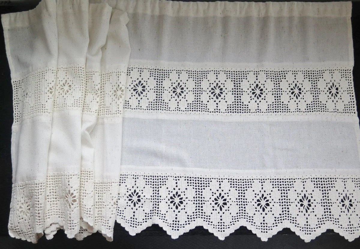 Vintage Wide Long Curtain Valance Floral Crocheted Window
