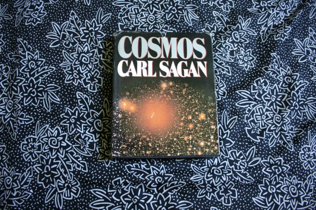 Books to Read for Motivation Cosmos Carl Sagan New York Times Bestseller