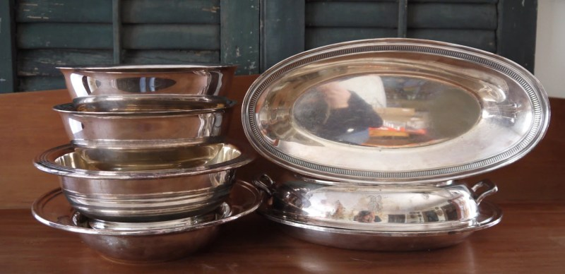 Collection of 4 Bowls, Bread Tray and Dish with Lid. Silverplate, Dining, Decoration, Wedding, Elegant Dining, Gorham Trays, 1940s