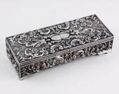Vintage jewelry box by Go...