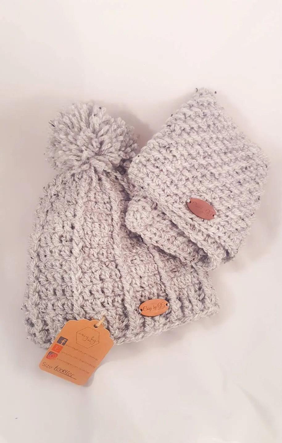 Pom Pom beanie hat, cowl,...