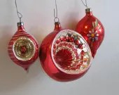 Red Christmas balls, Conc...