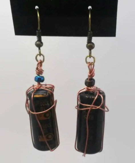 Wire wrapped capacitors e...