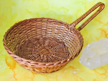 Woven Wicker Round Scoop Basket with Handle