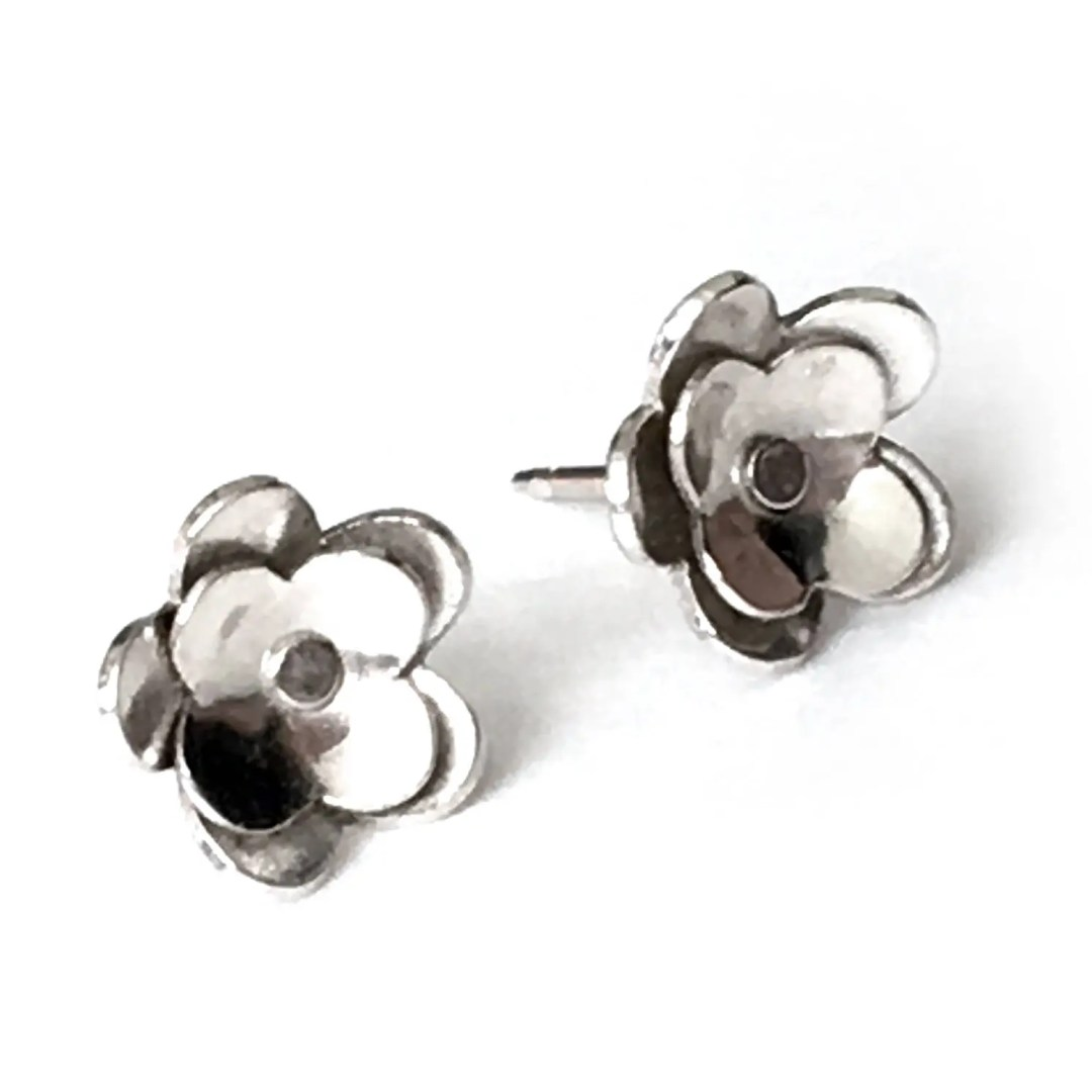 Small Silver Flower Post ...