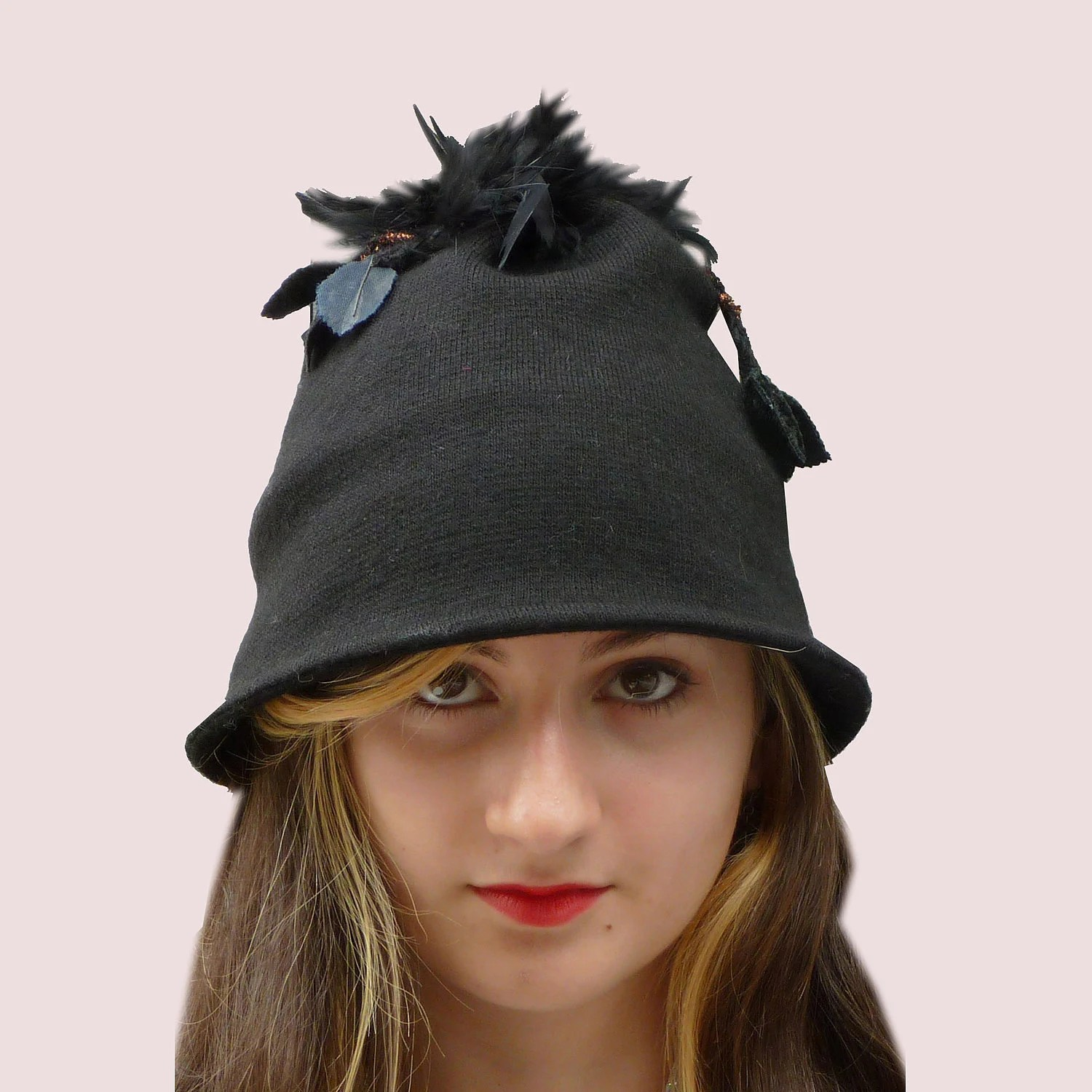 Black Strawberry Feathered Cloche