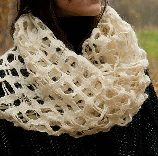 Fashionable white wooven and felted scarf