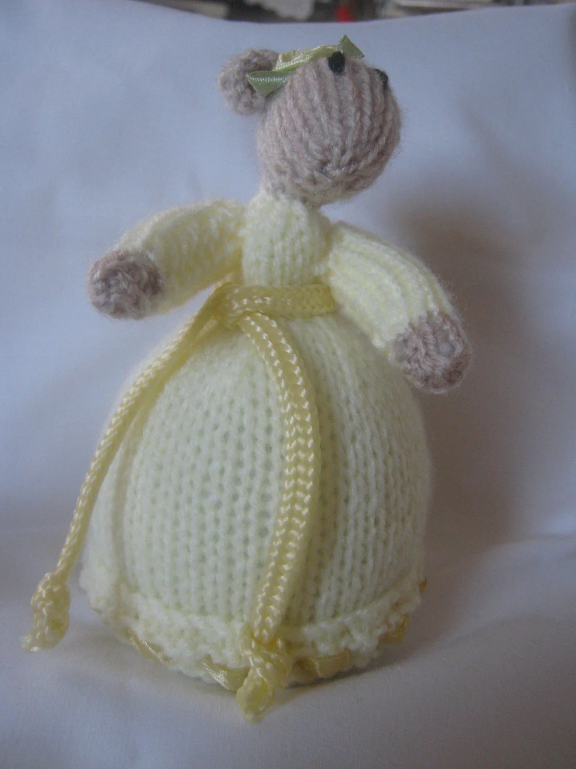 Delightful Hand Knitted Mouse in a Pale Yellow Gown