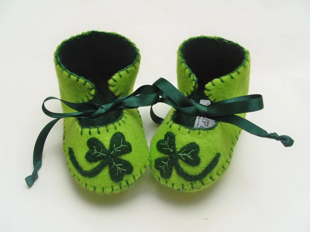 Green Clover Unisex Baby Booties for Lucky Babies