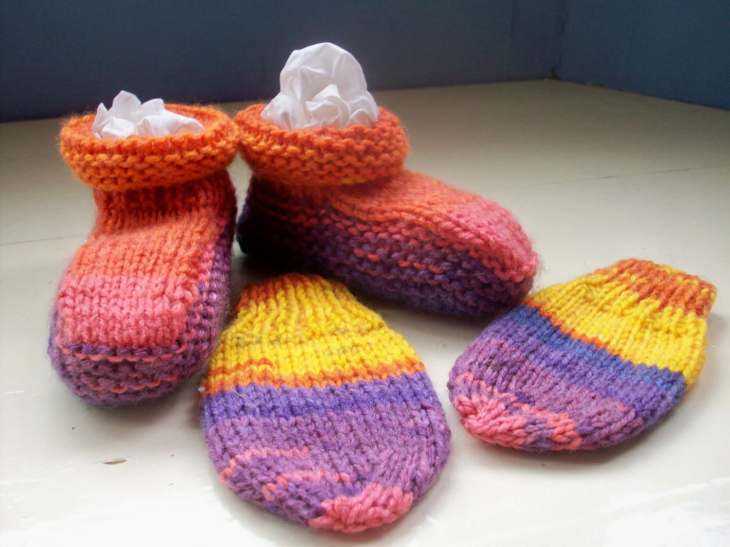 Baby booties mittens set - unisex booties and mittens 6 to 9 months approx
