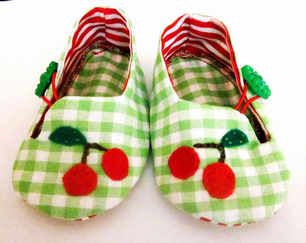 Tutti Frutti Red Cherry cotton baby shoes size 0-3 months