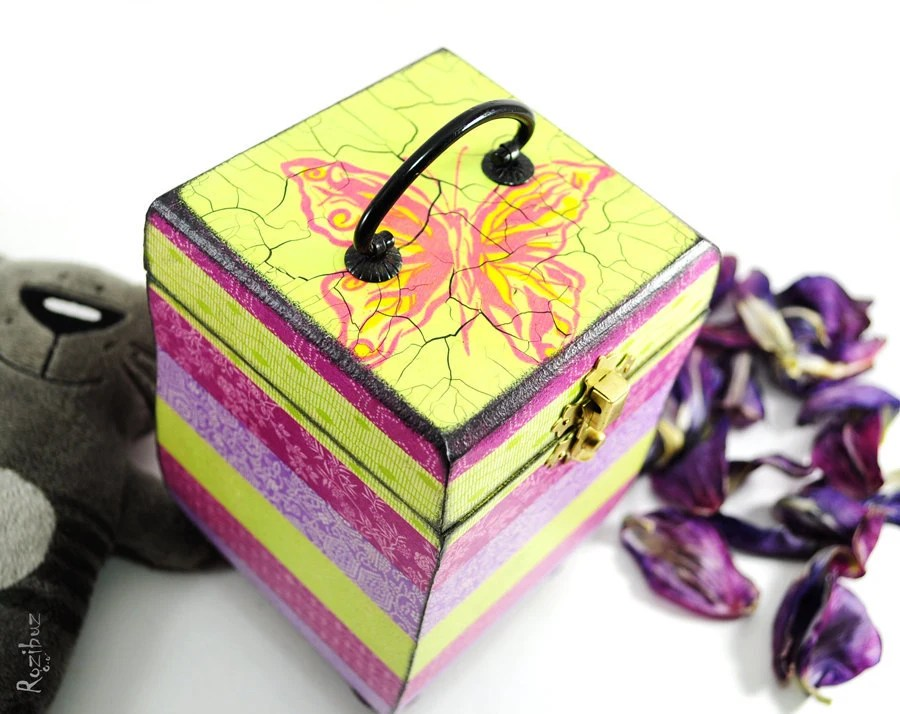 My pink secret garden - box for jewelry  - ready to ship - gift idea for her, home decor, trinket, treasures, keepsake