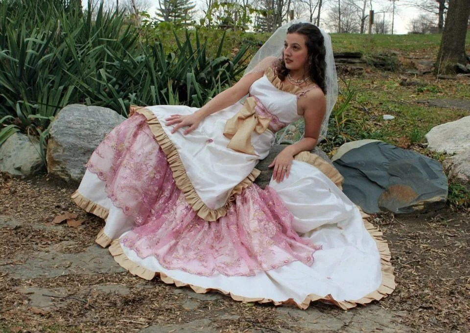 Lovetta's Blog: Series Is The Elven Wedding I Went With A