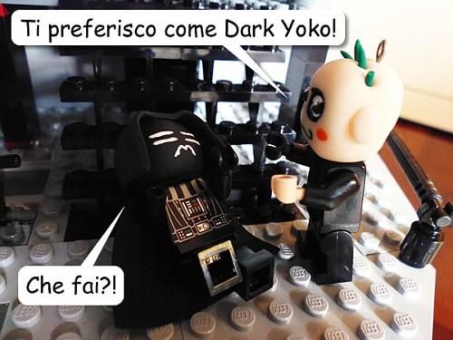 "Giova Sky-chang: ""Ti preferisco come Dark Yoko!""  Dark Yoko: ""Che fai?!"""