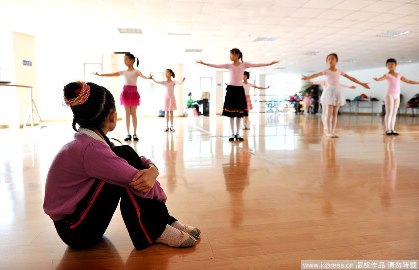 little girls with dance dreams