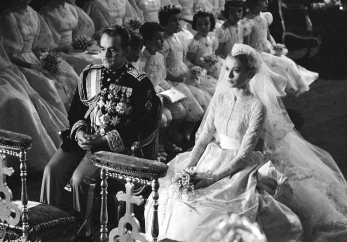 Королевские свадьбы (21 фотография), photo:1/3518263_Weddings_02 (700x487, 56Kb)