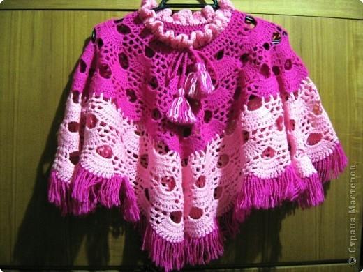 вязаное пончо для девочки описание вязания спи цами авторская