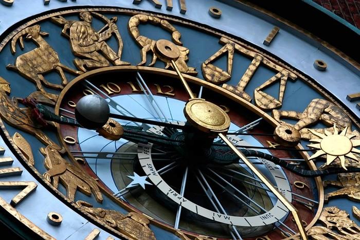 10 самых неожиданных областей применения астрологии