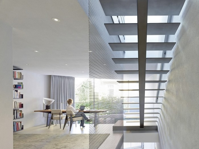 Интерьер офиса и квартиры в одном здании