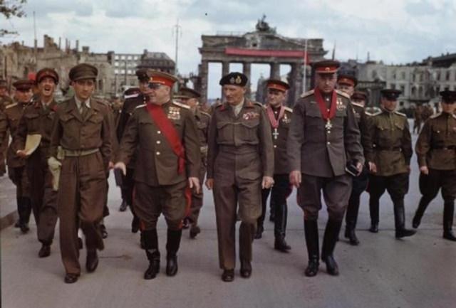 У кого была лучшая военная форма на Второй мировой