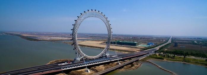 В Китае появилось безосевое колесо обозрения