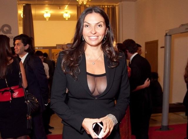 8 знаменитостей с натуральной большой грудью