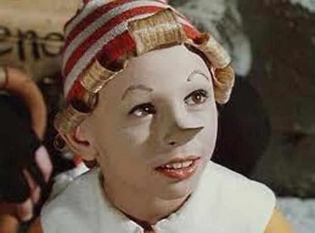 Как выглядят и что делают юные актеры советского кино сегодня