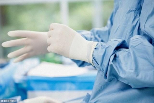 Что врачи достают из заднего прохода пациентов— самые необычные предметы