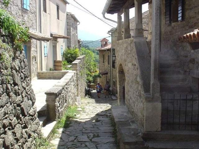 В какой стране находится самый маленький город в мире