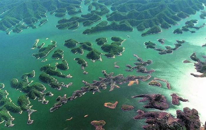 Подводные города Озера тысячи островов в Китае