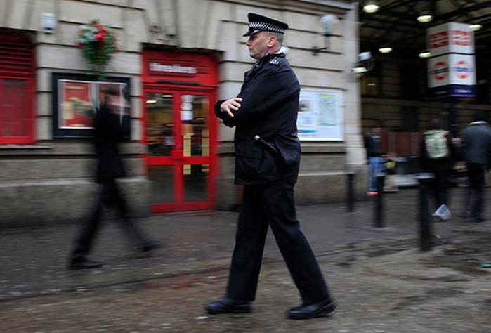 Мигранты годами насилуют британских девочек. Полиция боится обвинений в расизме