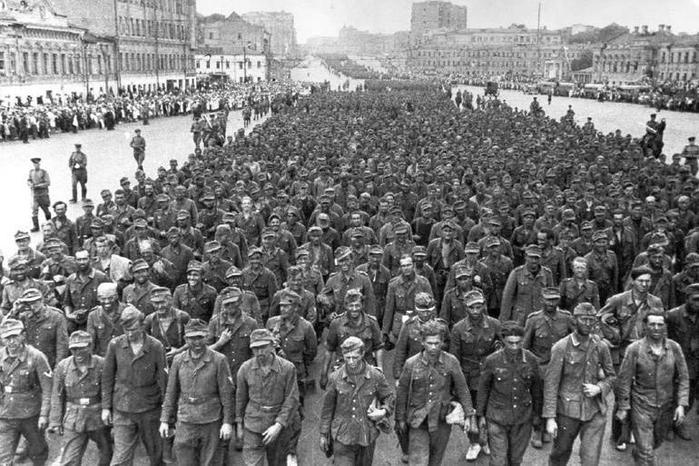 Парад пленных немцев в Москве в 1944 году: как это было
