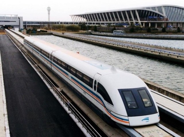 Суперпоезда, которые ездят на невероятной скорости