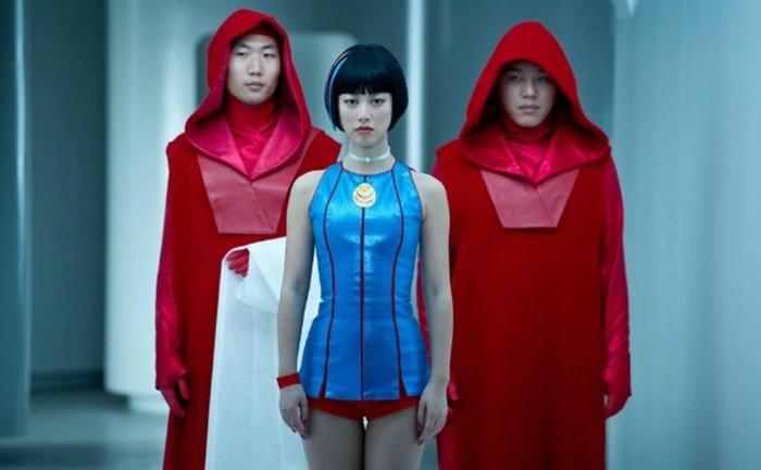 Мода будущего глазами кинорежиссеров: 20 нарядов, которые мы должны будем носить