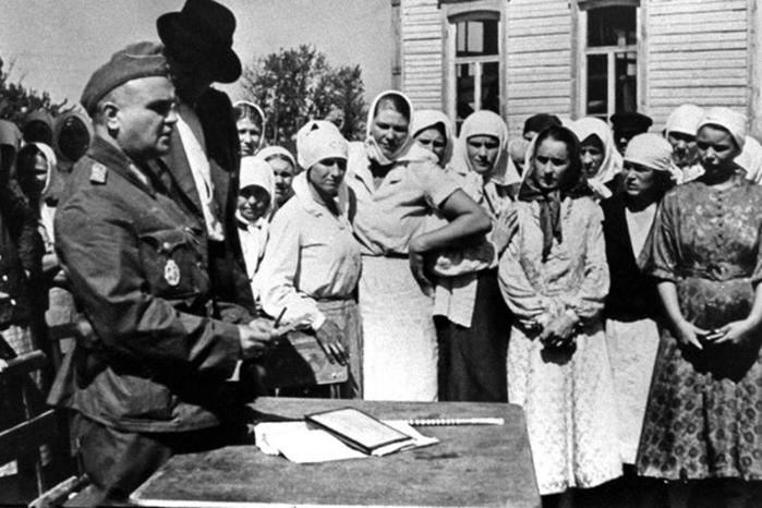 Сколько граждан СССР было вывезено немцами на работу в Третий рейх