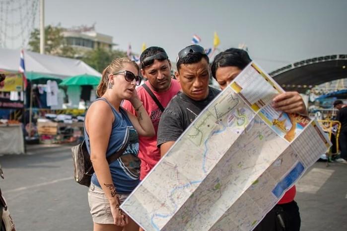 Как обманывают туристов в разных странах: самые распространенные способы