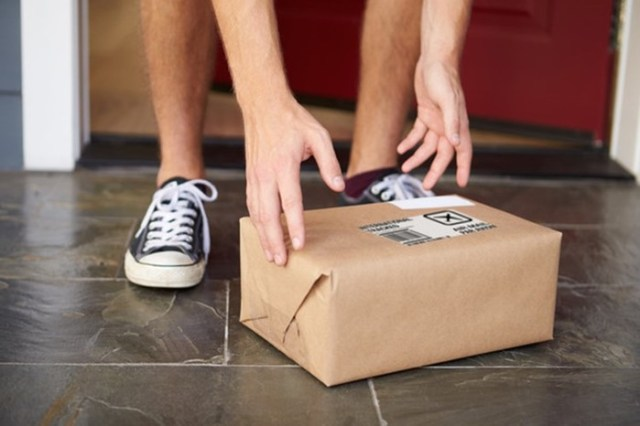 Как распознать опасную посылку: 5 признаков