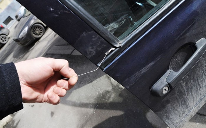 Как попасть в свою машину без ключей: 5 действенных советов
