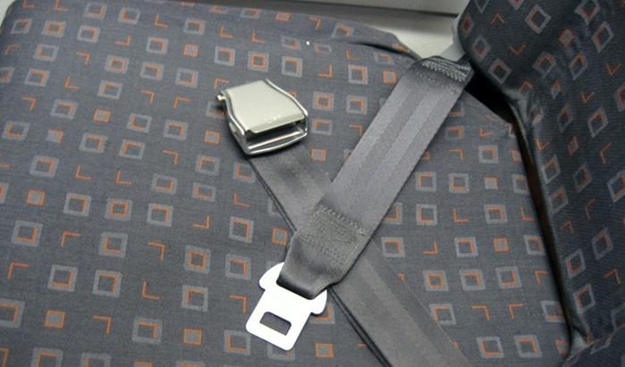 Почему нужно пристегиваться в самолете